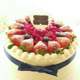 蜂迷蝶恋 | 草莓鲜果蛋糕