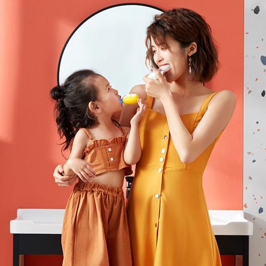 【让宝宝爱上刷牙】艾诗摩尔全自动宝宝儿童电动u型口含式牙刷(赠送木糖醇慕斯牙膏60ml/1支) 商品图13