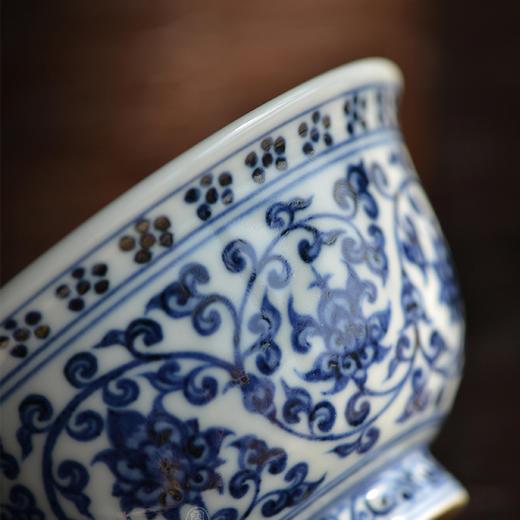 蓝和白 手绘永乐青花压手杯品茗杯 商品图1