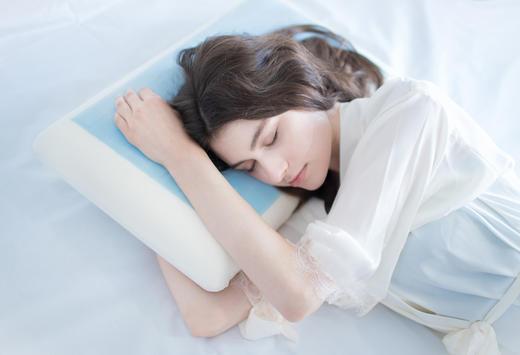 TOTONUT凝胶护颈枕  自动降温,专业保护颈椎,释放肩颈压力,帮助深度睡眠 商品图0