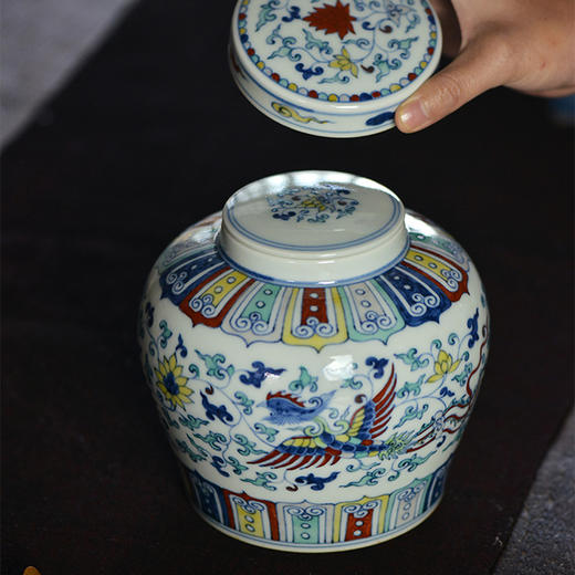 蓝和白 仿明成化手绘斗彩穿花凤纹天字罐储茶罐 商品图1